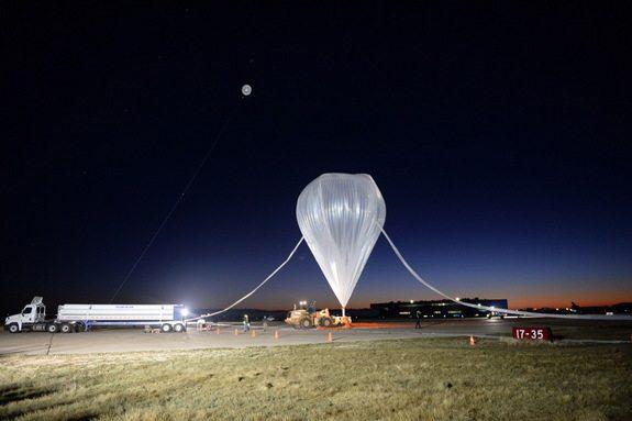 stratex-team-fills-high-altitude-balloon