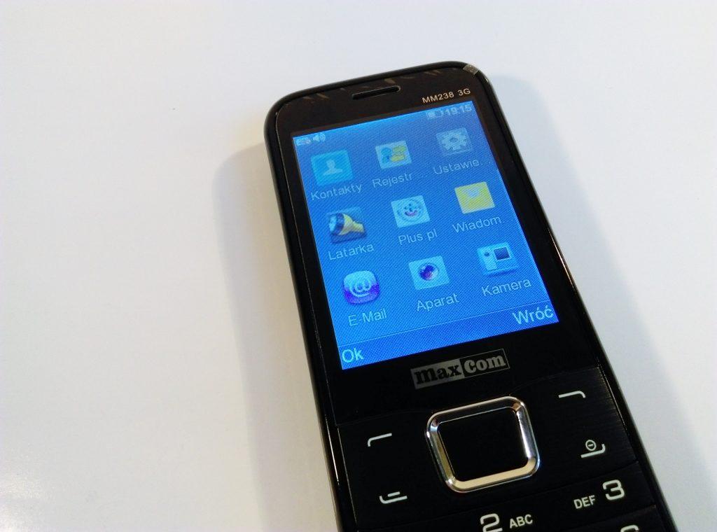 MaxCom MM238 3G - wyświetlacz