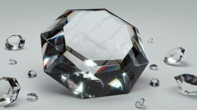 Diamentowe szkło
